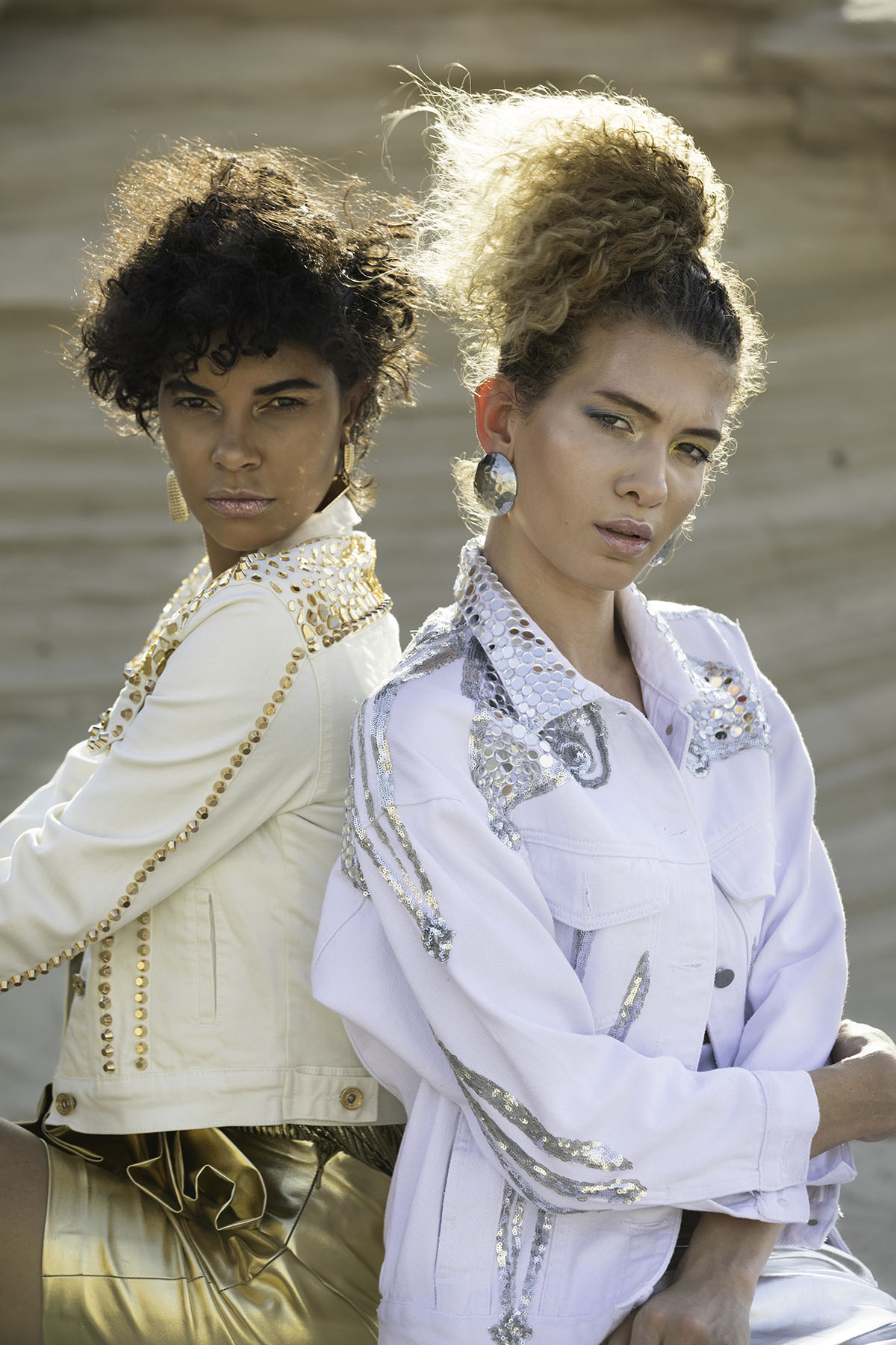 Editorial fashion shoot in Fossil Dunes Abu Dhabi by Loesje Kessels Fashion Photographer Dubai