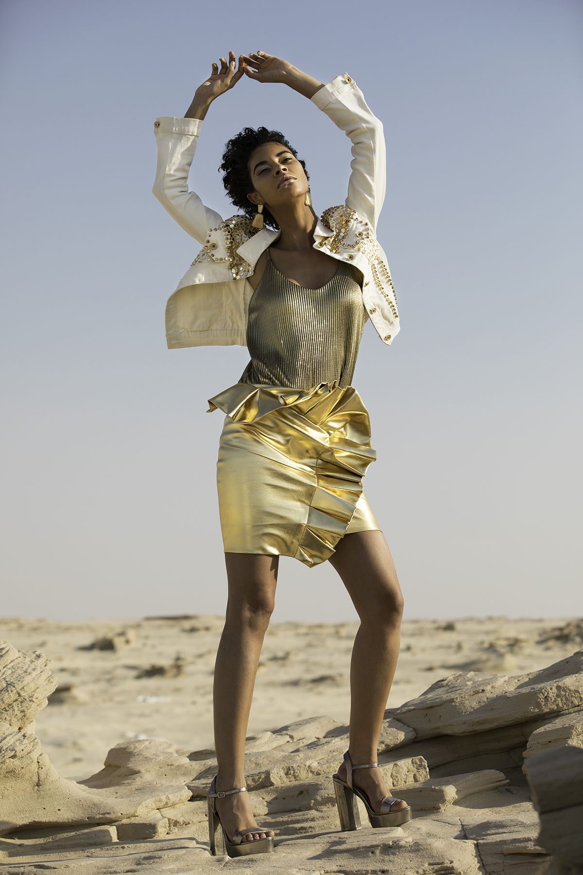 Fashion photoshoot in Abu Dhabi by Loesje Kessels Fashion Photographer Dubai