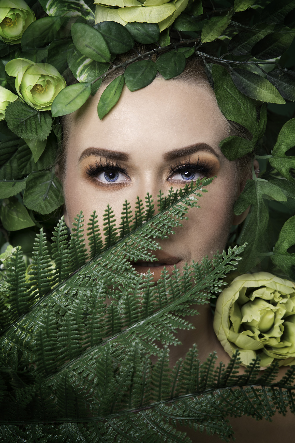 Beauty editorial 'Flower Fairy' in green by Loesje Kessels Fashion Photographer Dubai