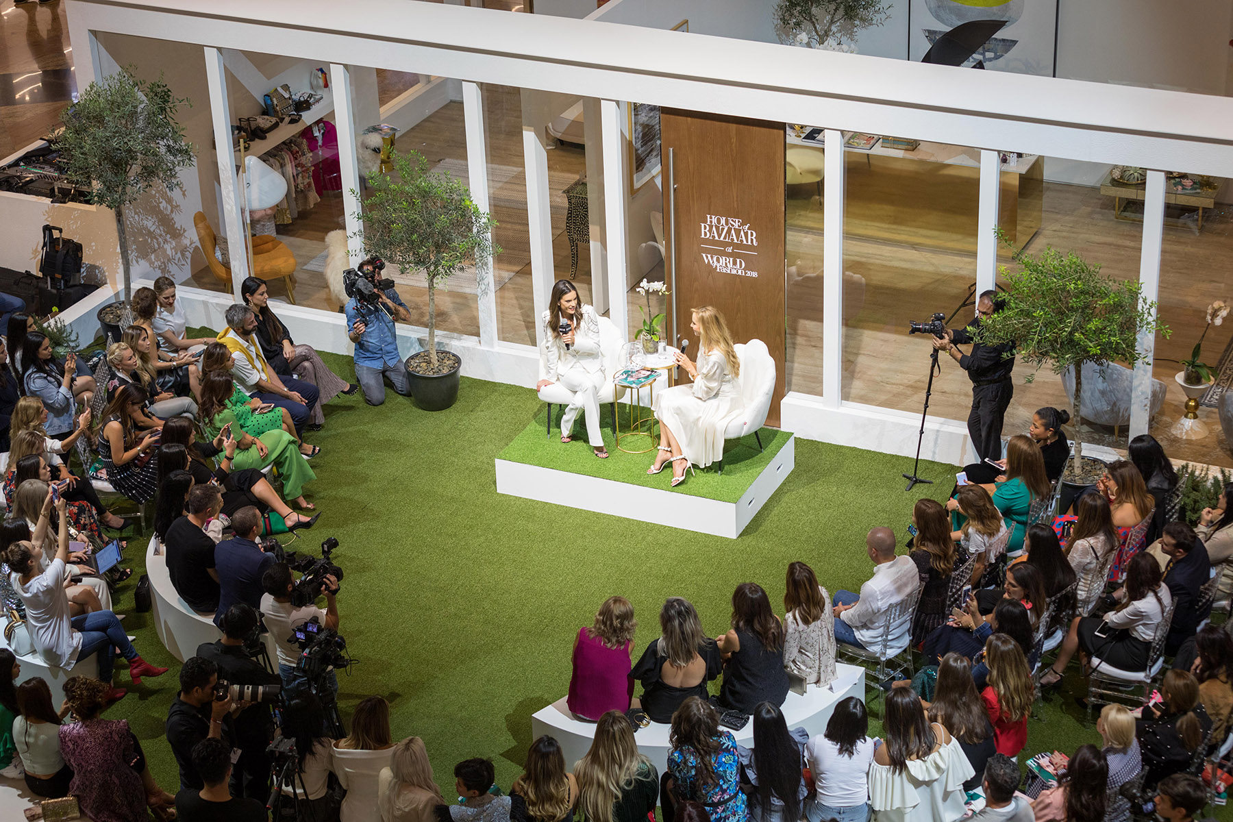 Alessandra Ambrosio and Louise Nichol at Harpers Bazaar House of Fashion in Mall of the Emirates by Loesje Kessels Event Photographer Dubai