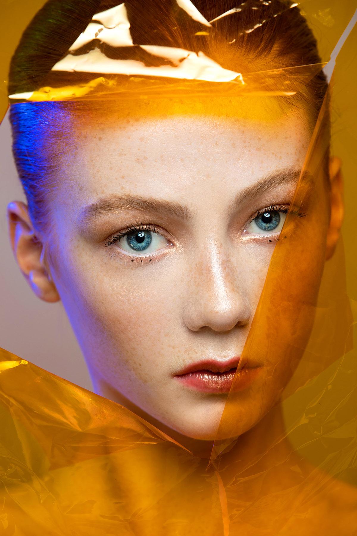 Colorful beauty portrait of Piper MacKinnon by Loesje Kessels Fashion Photographer Dubai
