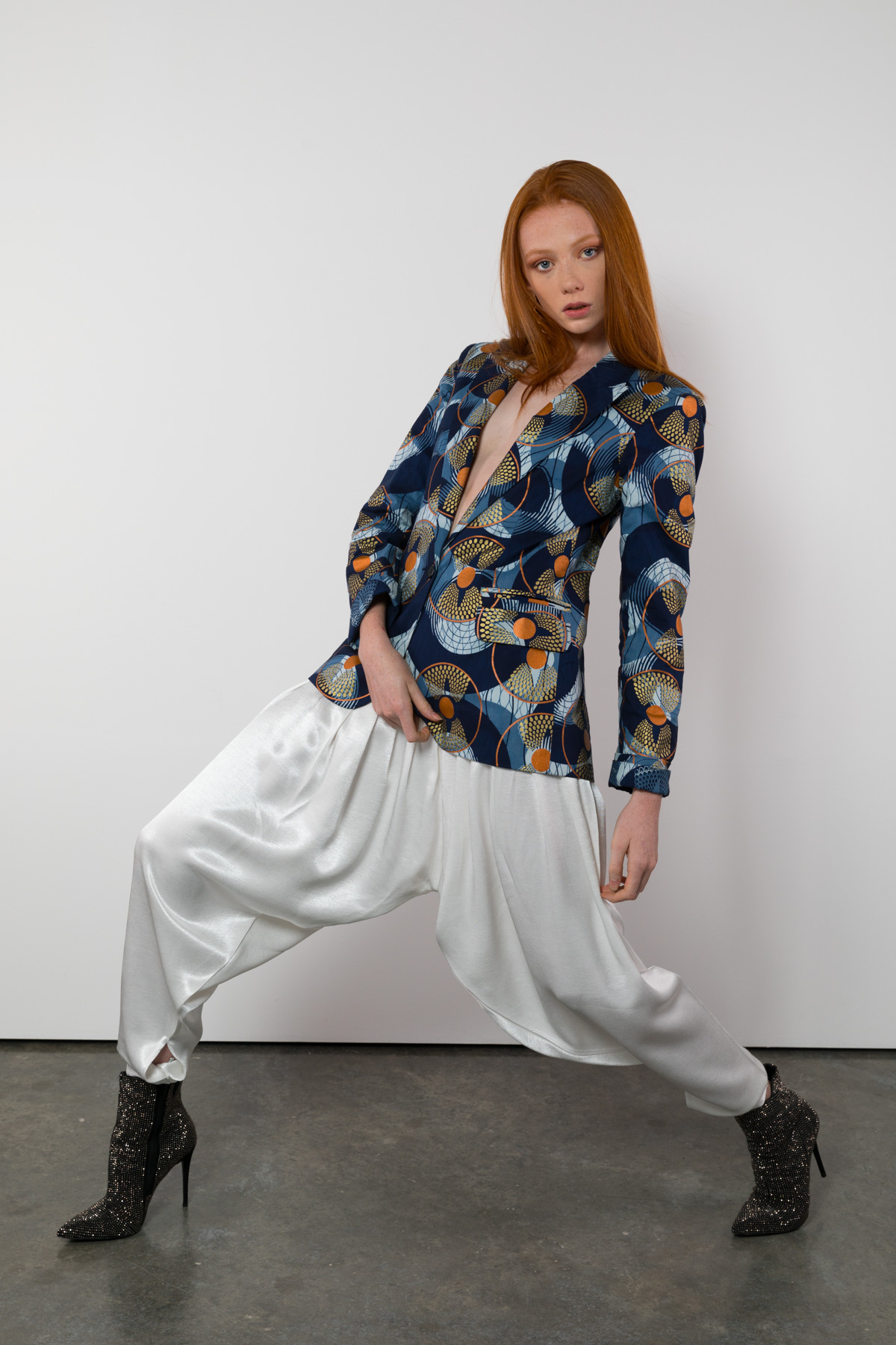 Lookbook shoot with Piper MacKinnon by Loesje Kessels Fashion Photographer Dubai