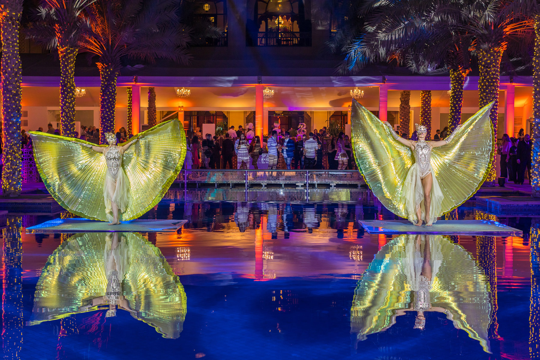 Two neon water dancers at The Palace Downtown event by Loesje Kessels Fashion Photographer Dubai