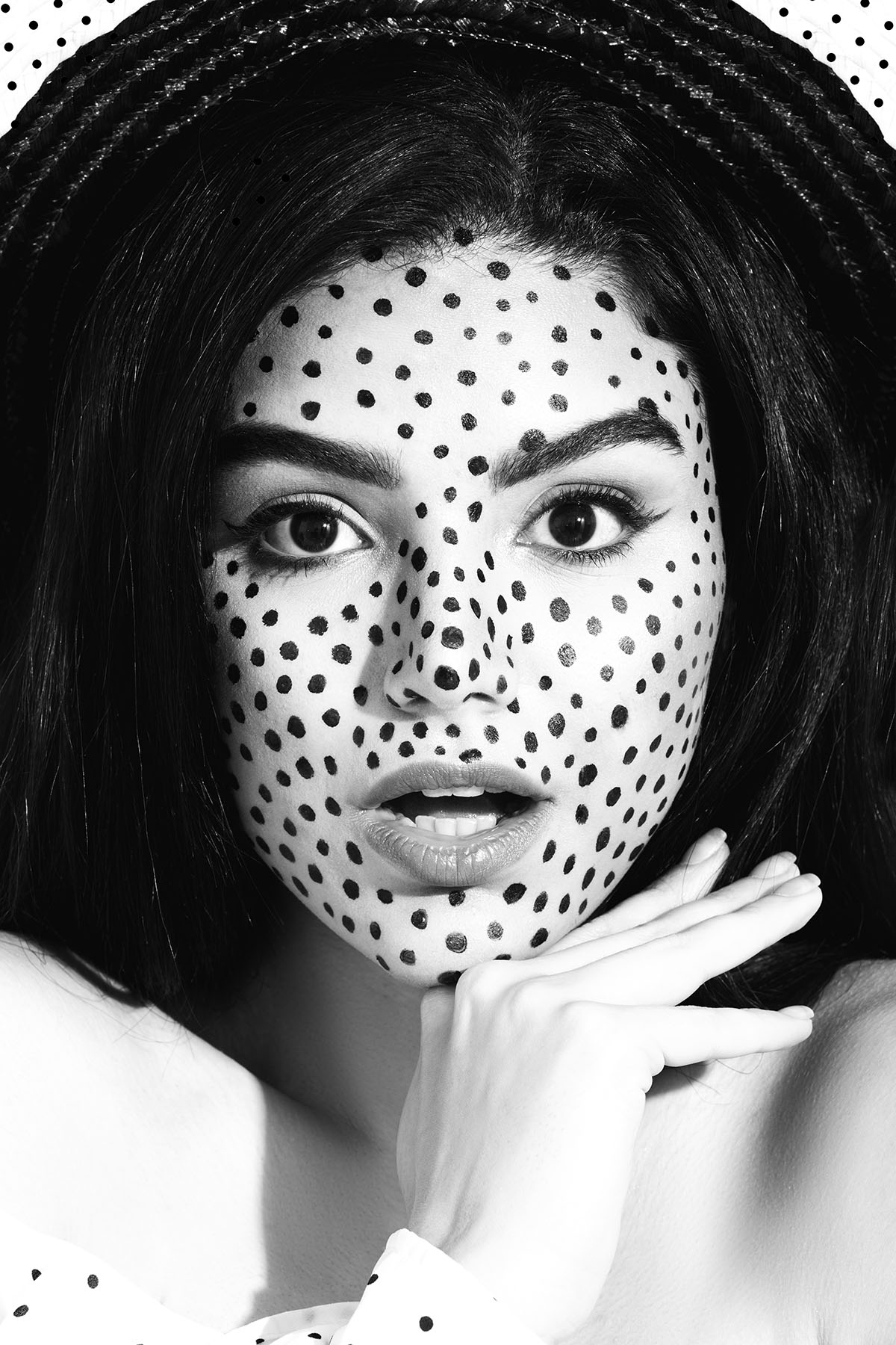 Polkadot beauty editorial 'Polly Polka' by Loesje Kessels Fashion Photographer Dubai