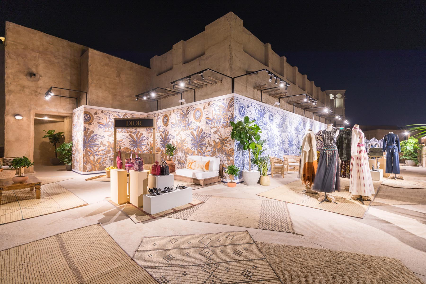 Evening event decor of DIOR Cruise 2020 collection presentation by Loesje Kessels Event Photographer Dubai
