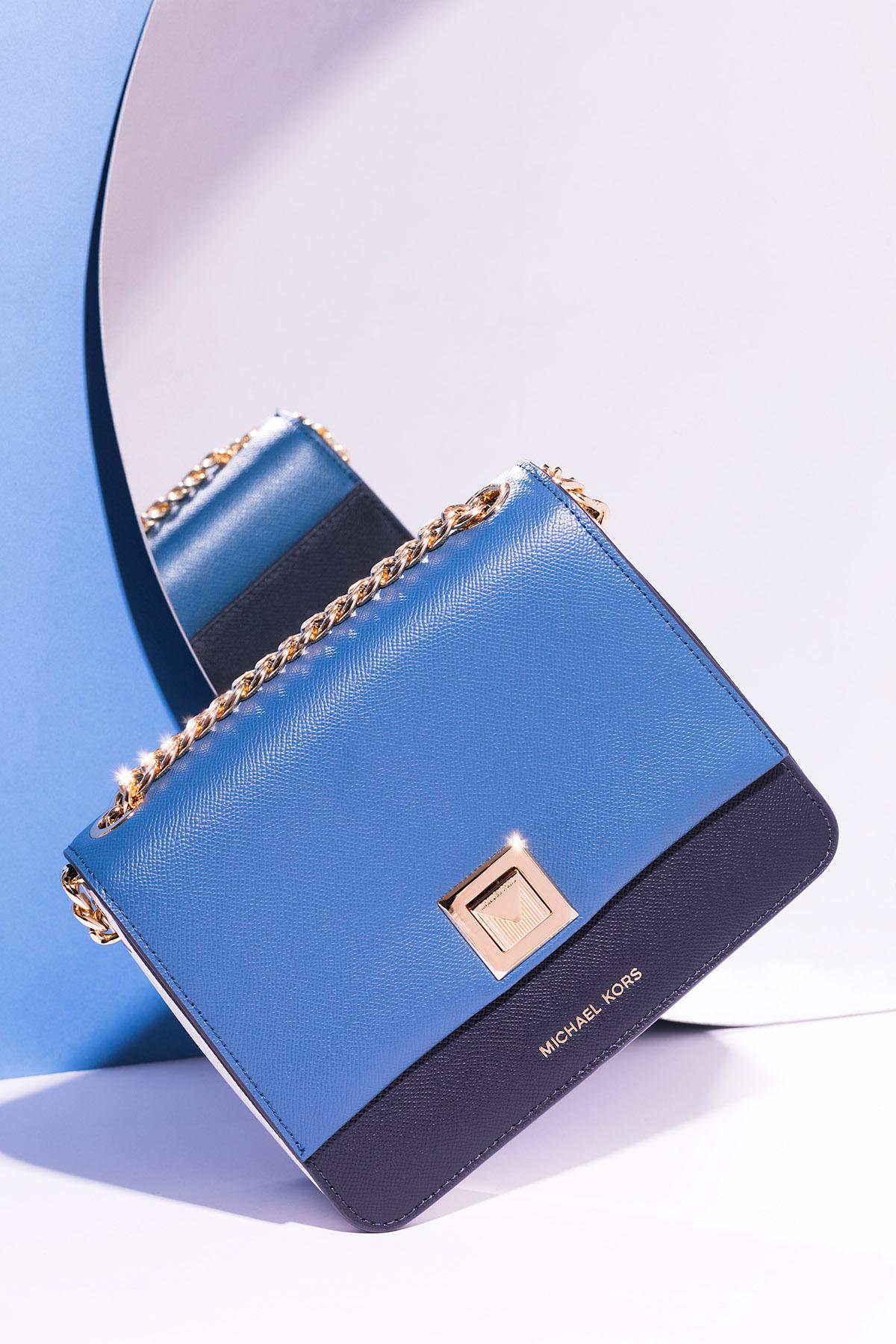 Commercial photography of Michael Kors Sylvia handbag by Loesje Kessels Fashion Photographer