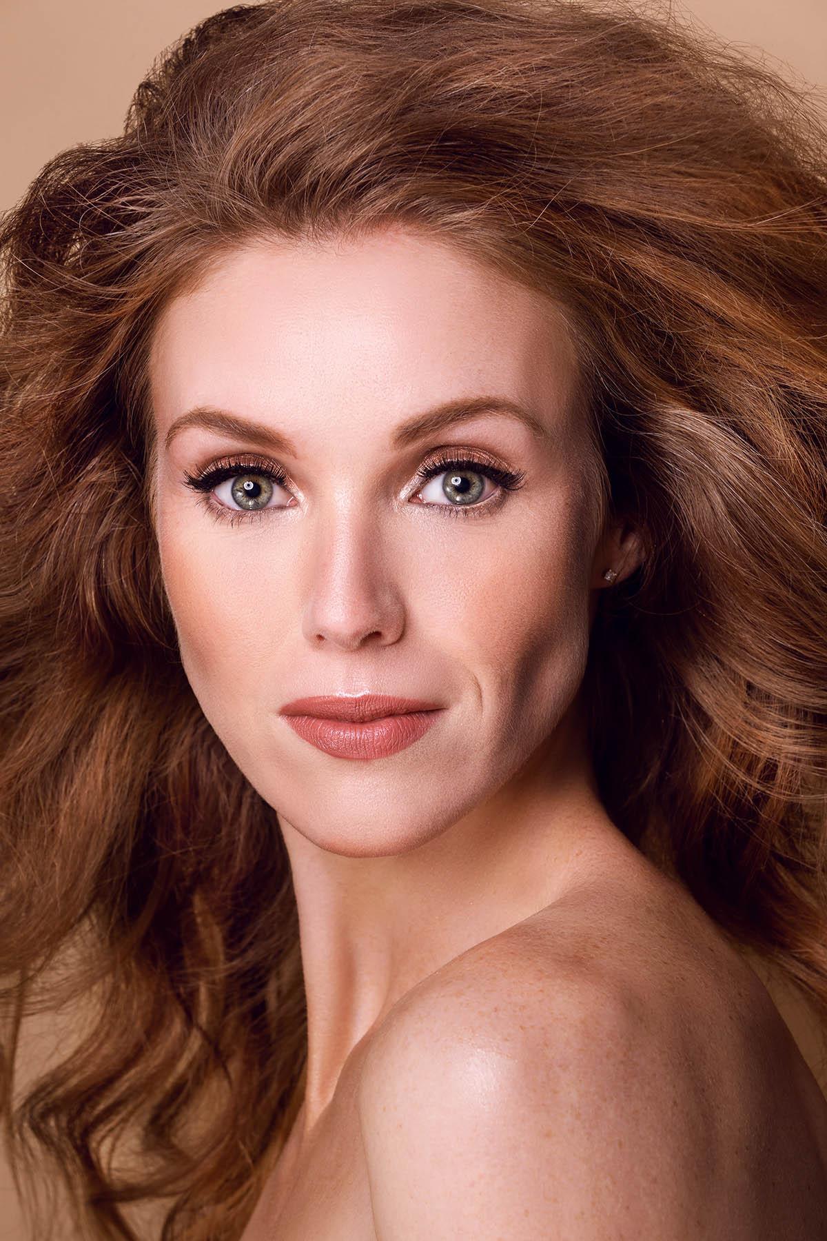 Beauty portrait of Marjon Boonen by Loesje Kessels - Fashion Photographer Dubai